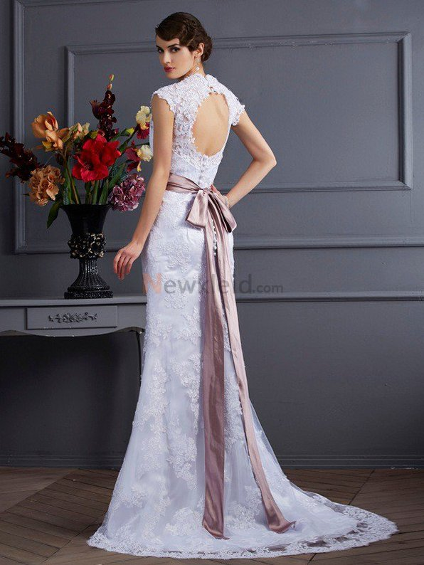 Klassisches Sweep train Normale Taille Sittsames Brautkleid mit Applikation